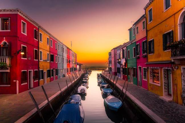 The incredibly colourful buildings of Murano